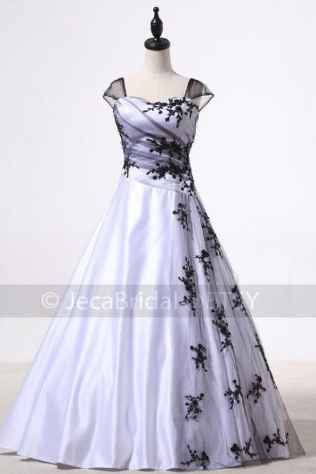 Alternative Wedding Dress Black and White Wedding Dress Soft Gothic Wedding Dress Halloween Wedding Dress W920